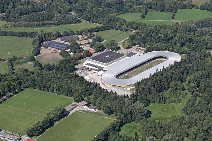 Trefpunt Groen Eindhoven stelt dat de Eindhovense IJsbaan nu 40.000 vierkante meter 'bezet' in de Genneper Parken. (archieffoto).
