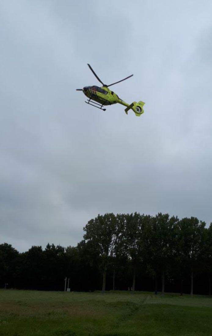 Een traumahelikopter rukte uit vanwege de valpartij van het 2-jarige jongetje.