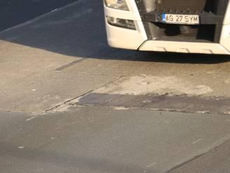 Noodherstelling aan beschadigd stuk wegdek van E17