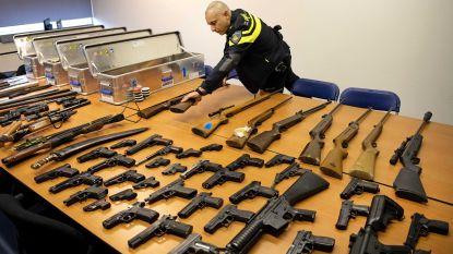 Roemeen en Albanees riskeren 3 jaar cel voor wapendiefstal en -verkoop