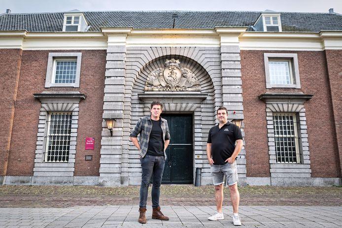Geertruidenberg - 26-06-2020 - Pix4Profs / Johan Wouters - Fort Sint Gertrudis in Geertruidenberg heeft na het faillisement van de Arjan van Dijk groep nieuwe exploitanten.  Mark de Kwaadsteniet (links) en Bart Heijne (rechts) gaan het historische gebouw uitbaten.