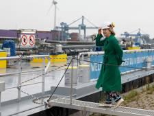 Kwart miljoen euro om illegaal ontgassen op de rivier tegen te gaan