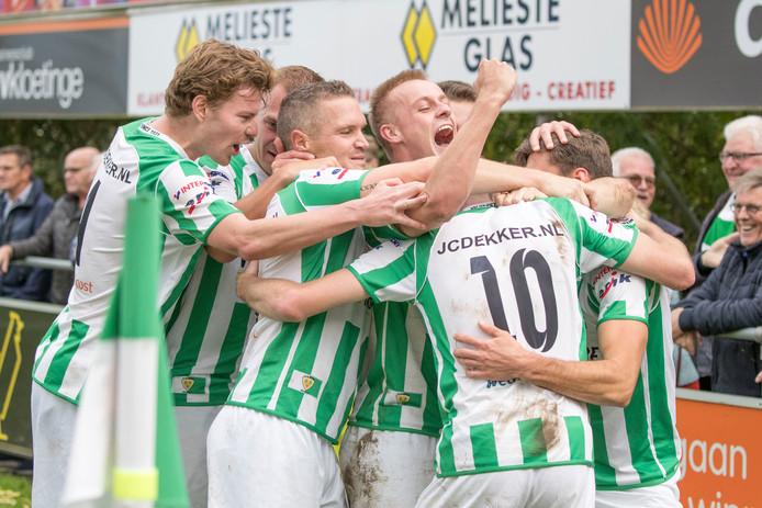 Onder andere Klaas van Hecke (midden) speelt ook komend seizoen voor Kloetinge.