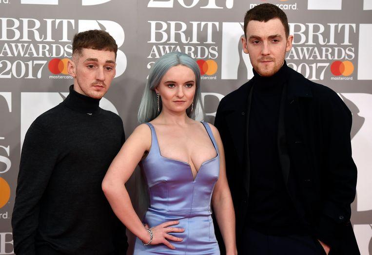Clean Bandit op de Brit Awards van 2017.  Beeld EPA
