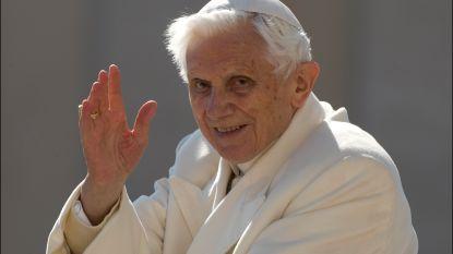 Ex-paus Benedictus bekritiseert afschaffing priestercelibaat in nieuw boek