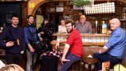 Cameraploeg aan het werk in café 't Vijfde Wiel