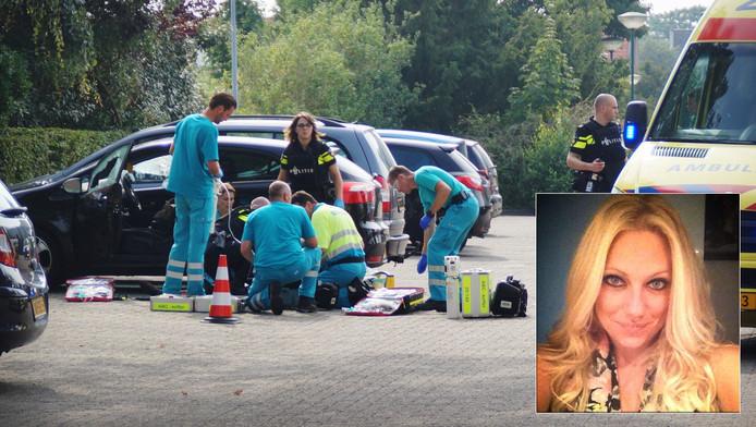 Politie en ambulancemedewerkers op de plaats waar Linda van der Giesen werd neergeschoten