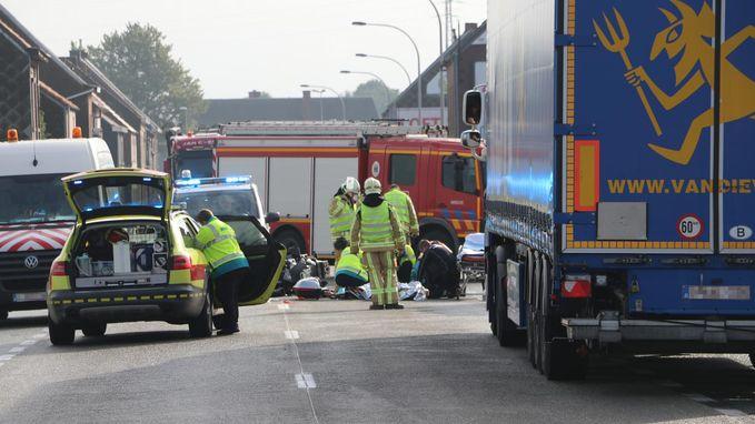 Motorrijder zwaargewond na horrorcrash