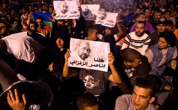 Een demonstratie tegen corruptie en werkloosheid in Al-Hoceima, een stad in het Rifgebied, in mei 2017.