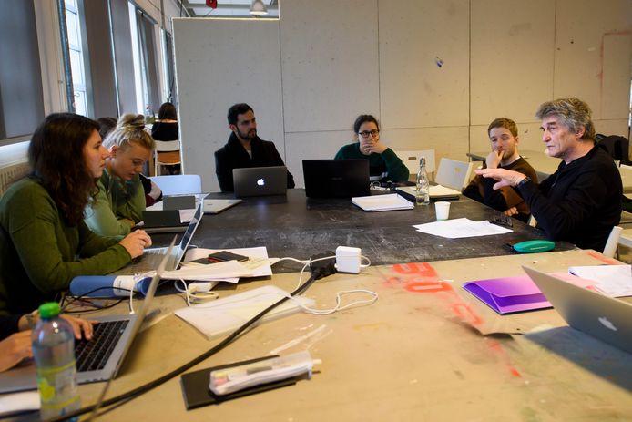 Een les op Design Academy Eindhoven.