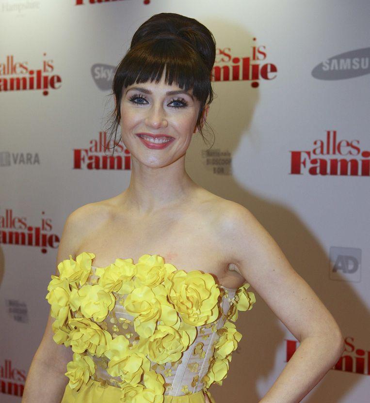 Carice van Houten vlak voor de première van Alles is Familie. Beeld null