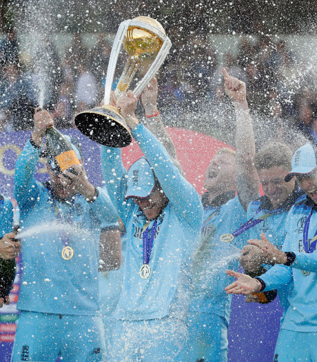 Engeland voor het eerst wereldkampioen cricket