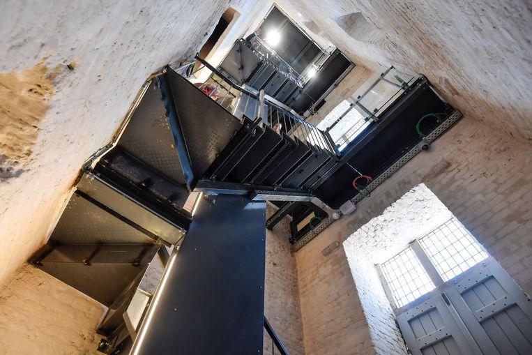 De Belforttoren onderging een grondige renovatie.