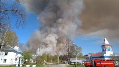 Russisch munitiedepot vat vuur, heel dorp geëvacueerd