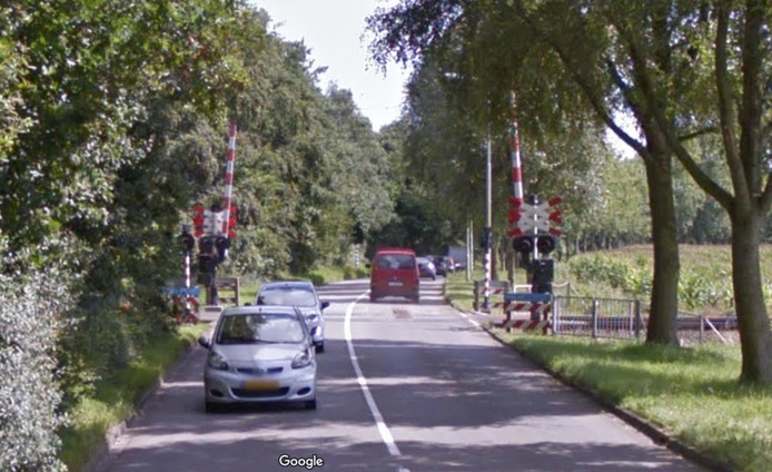 De spooroverweg bij de Willem Dreesweg in Roosendaal.