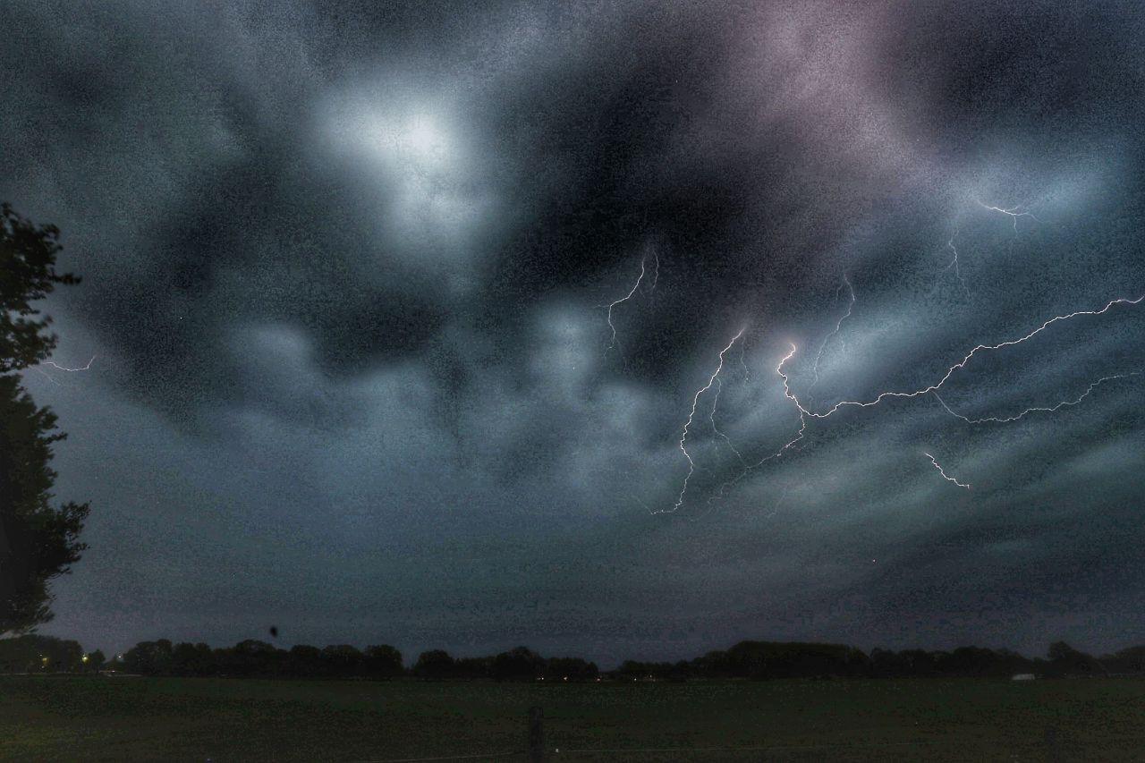 Onweer in Raalte.