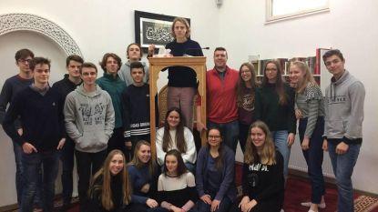 Leerlingen Sint-Jozefinstituut bezoeken drie kerkgemeenschappen