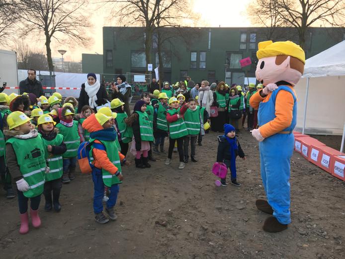 De bouw van de islamitische basisschool Tarieq Ibnoe Ziyad in Eindhoven is officieel van start