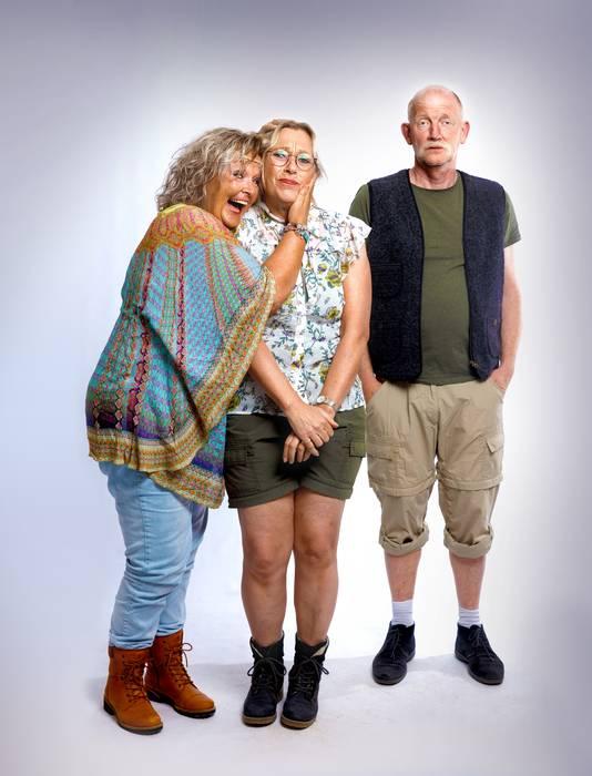 De drie hoofdpersonen van Tejatergroep Snippers in de nieuwe voorstelling Selma Ann Louis.