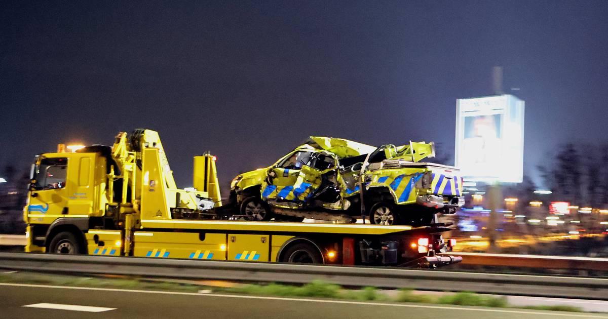 Twee rijstroken A2 dicht na ongeluk met vrachtwagen bij Zaltbommel.