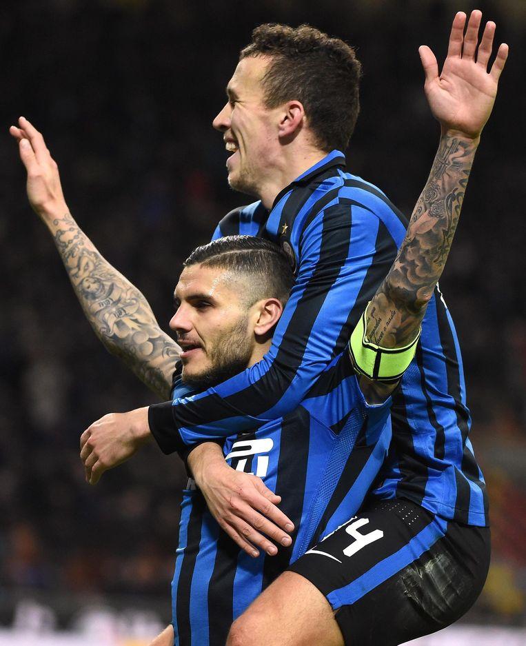 Inter-spits Mauro Icardi viert een feestje na de 3-0. Beeld ANP