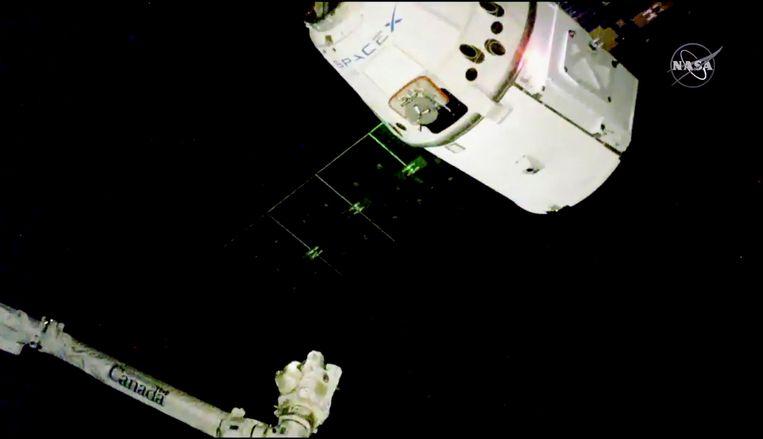 De onbemande Amerikaanse ruimtecargo Dragon-16 is vandaag succesvol aan het ISS vastgemaakt. Hij vervoerde in totaal 2.500 kilo aan voeding, materiaal en wetenschappelijke experimenten.