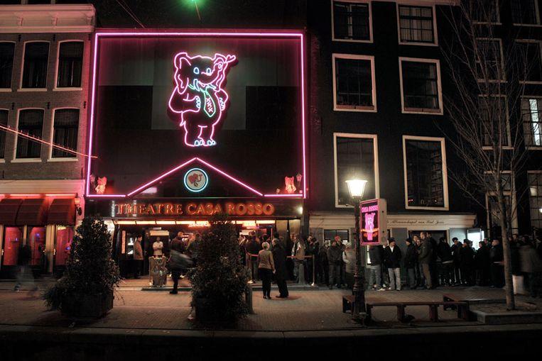 Sextheater Casa Rosso in Amsterdam werd gesloten in het kader van de wet Bibob (Joost van den Broek / de Volkskrant) Beeld