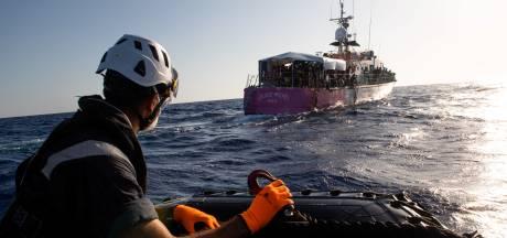 Des ONG accusent l'Italie de retarder une mission de secours de migrants
