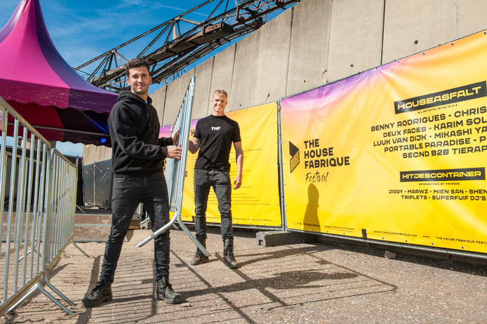 Gouda, Qualid El Aarrassi en Jelle van der Poel, de organisatoren van The House Fabrique Festival op GOUDasfalt.