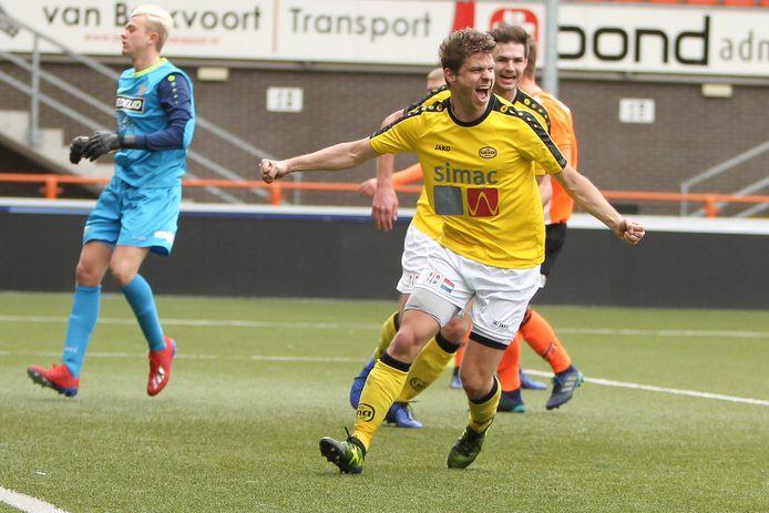 Archieffoto VV Una (Mart van de Gevel). Voor hem en zijn ploeg viel er dit seizoen nog weinig te juichen.