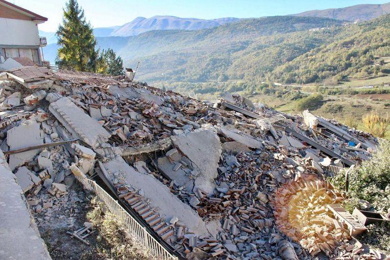 Zondag zijn ook weer huizen in L'Aquila ingestort. In dit plaatsje kwamen in 2009 300 mensen om het leven bij een aardbeving. Beeld null