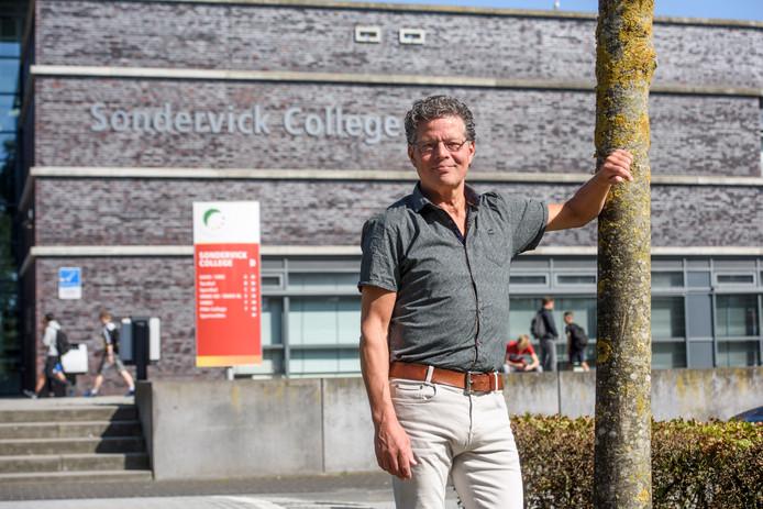 Paul Huijbregts, docent Sondervick College, neemt afscheid na 40 jaar.
