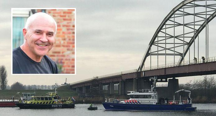 Politieduikers vonden onder de brug bij Nieuw-Vossemeer stoffelijke resten van Johan van der Heyden