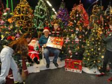 Kleurig kunstkerstbomenbos voor kinderen in Vlissingen