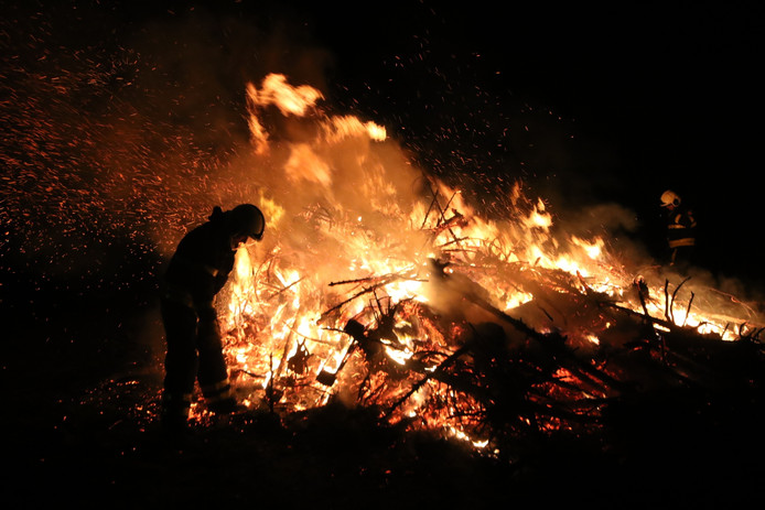 Kerstboomverbranding Den Hout.