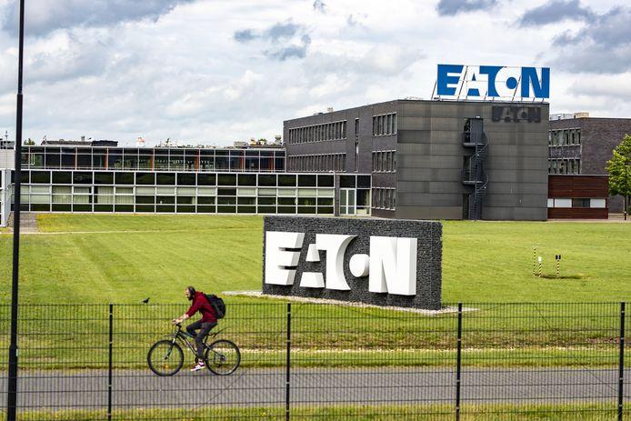 Belektrobedrijf Eaton in Hengelo verdwijnen 300 van de 700 banen.