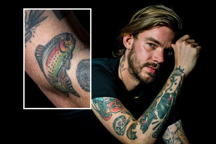 Stan Linders met zijn tattoo.
