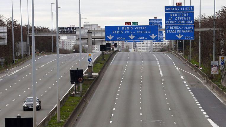 De snelweg A1 bij Parijs is afgesloten vanwege de klimaattop die maandag werd geopend. Beeld reuters
