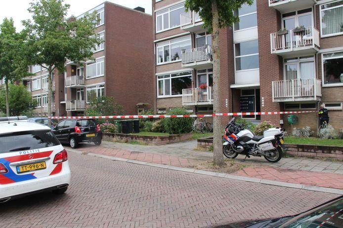 De woning aan de Constatuyn Huijgensstraat in Deventer waar de overval plaatsvond.