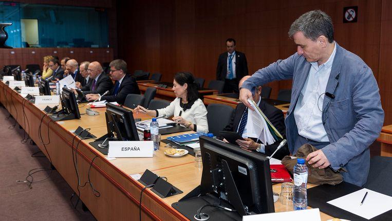 De Griekse minister van Financiën Euclides Tsakalotos (rechts vooraan) tijdens een vergadering op het EU-hoofdkwartier in Brussel.