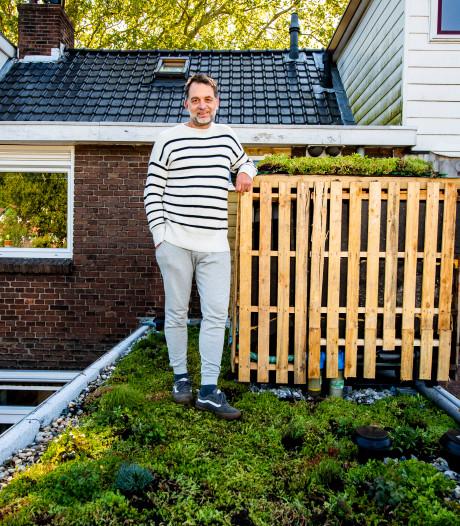 Deze 'Natte Krat' helpt de planten water geven