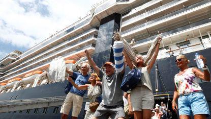 Iedereen virusvrij op cruiseschip: passagiers (ook 2 Belgen) kunnen eindelijk aan wal