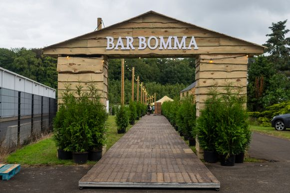 Bar Bomma in Malle.