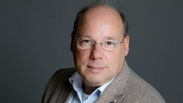 Charles Wiegant, hoofdofficier van justitie van het parket Centrale Verwerking Openbaar Ministerie (CVOM), heeft besloten per direct terug te treden.
