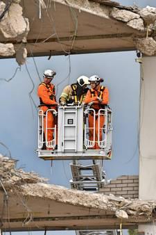 Deel oude stadhuis Woerden ingestort, bouwvakker overleden