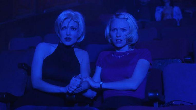 Laura Harring en Naomi Watts in Mulholland Drive (David Lynch, 2001). Beeld