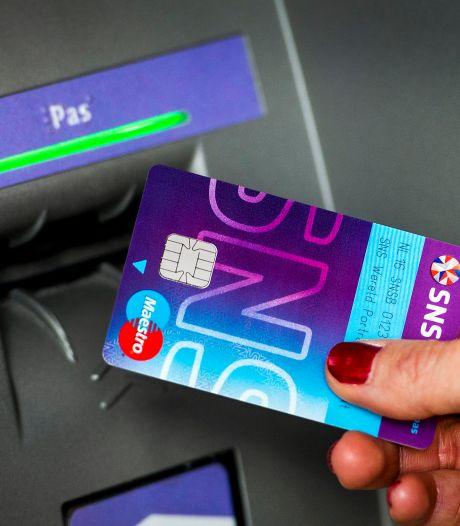 SNS en RegioBank sluiten ruim 200 geldautomaten na plofkraak