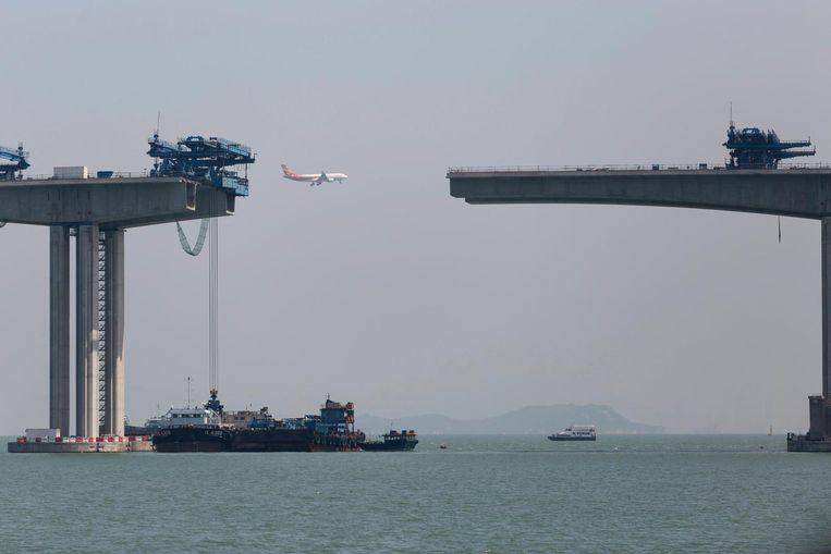 Constructie van de brug, 11 mei 2016. Beeld epa