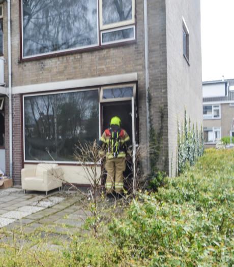 Brand verwoest flatwoning in Alblasserdam