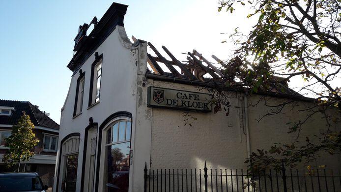 De verbouwing van café de Kloek aan de Leijsenhoek in Oosterhout is in 2019 stilgelegd.